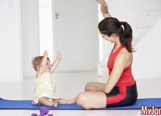 Бэби-йога: польза для мамы и ребенка