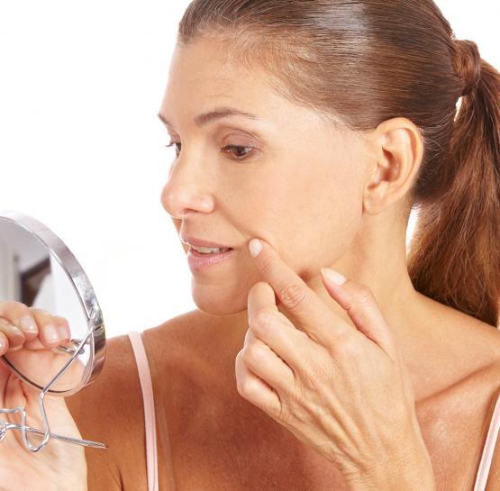 Բնական քսուկ, որը օգնում է ազատվել դեմքի անցանկալի կնճիռներից