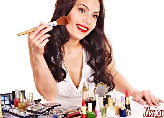 История красоты: откуда взялись современные средства макияжа