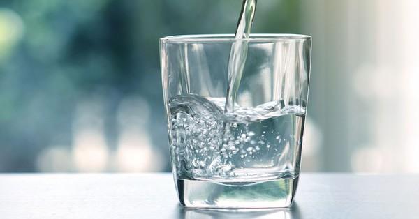 Կարդացեք ջրի օգտակարության մասին և կսկսեք  ավելի հաճախ ջուր խմել