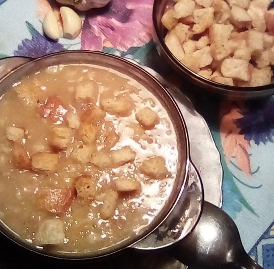 Быстрый гороховый суп с беконом