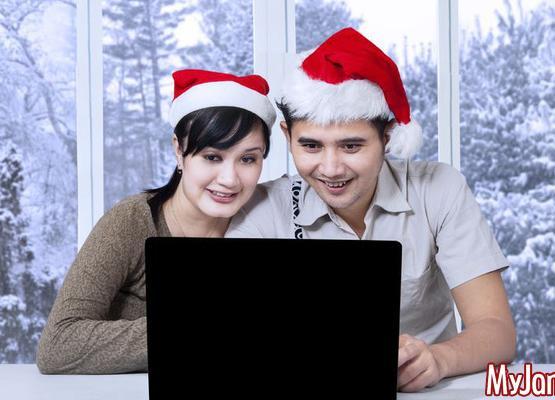 Новогодний сюрприз: несколько идей для поздравлений по интернету