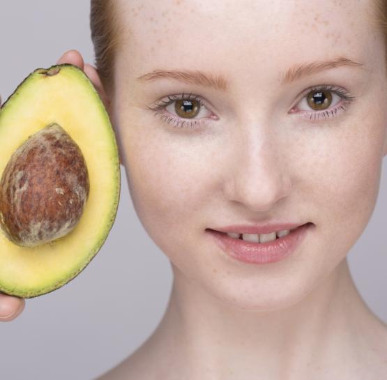 Այս դիմակը շատ լավ միջոց է դեմքի չորացած մաշկից ազատվելու և թարմացնելու համար