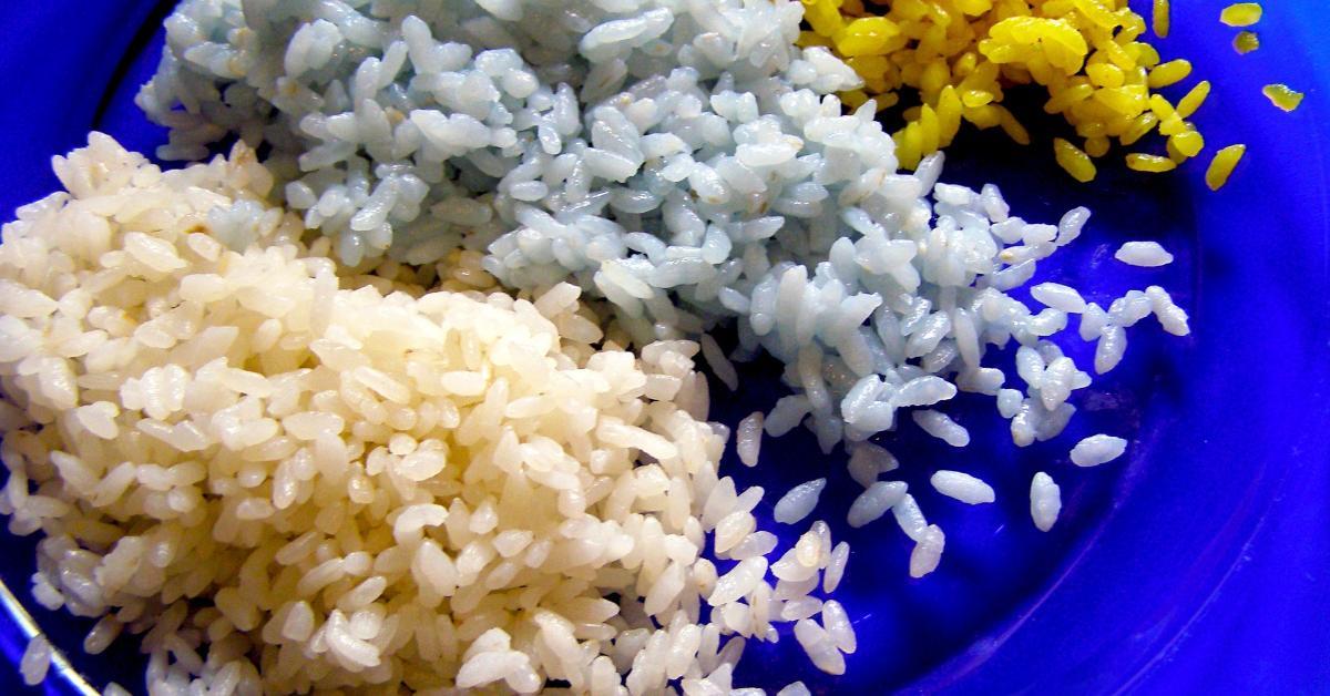 Цветной рассыпчатый рис